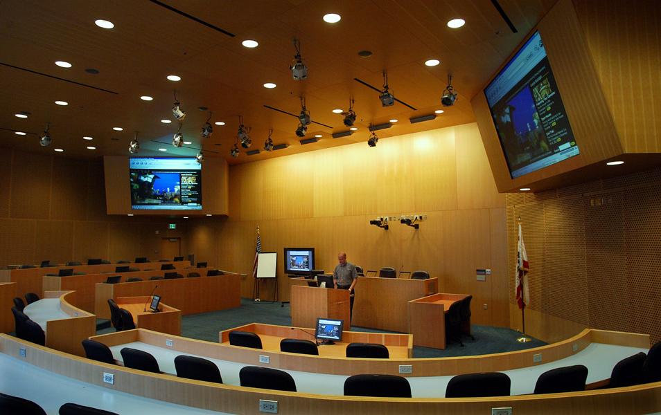 Loyola Law School, Girardi Advocacy Center - Robinson Courtroom